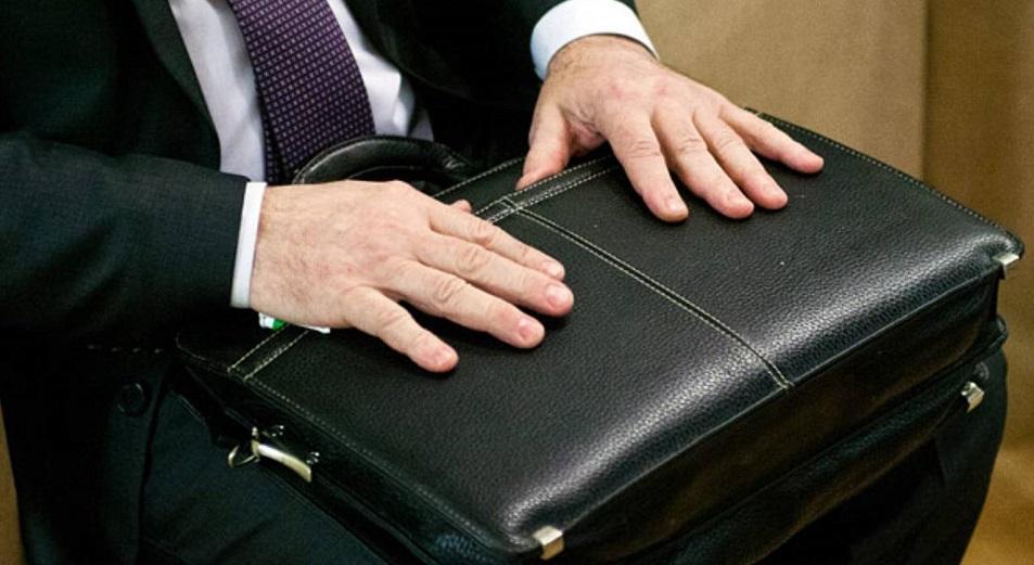 Пенсии госслужащим по выслуге лет: что нового