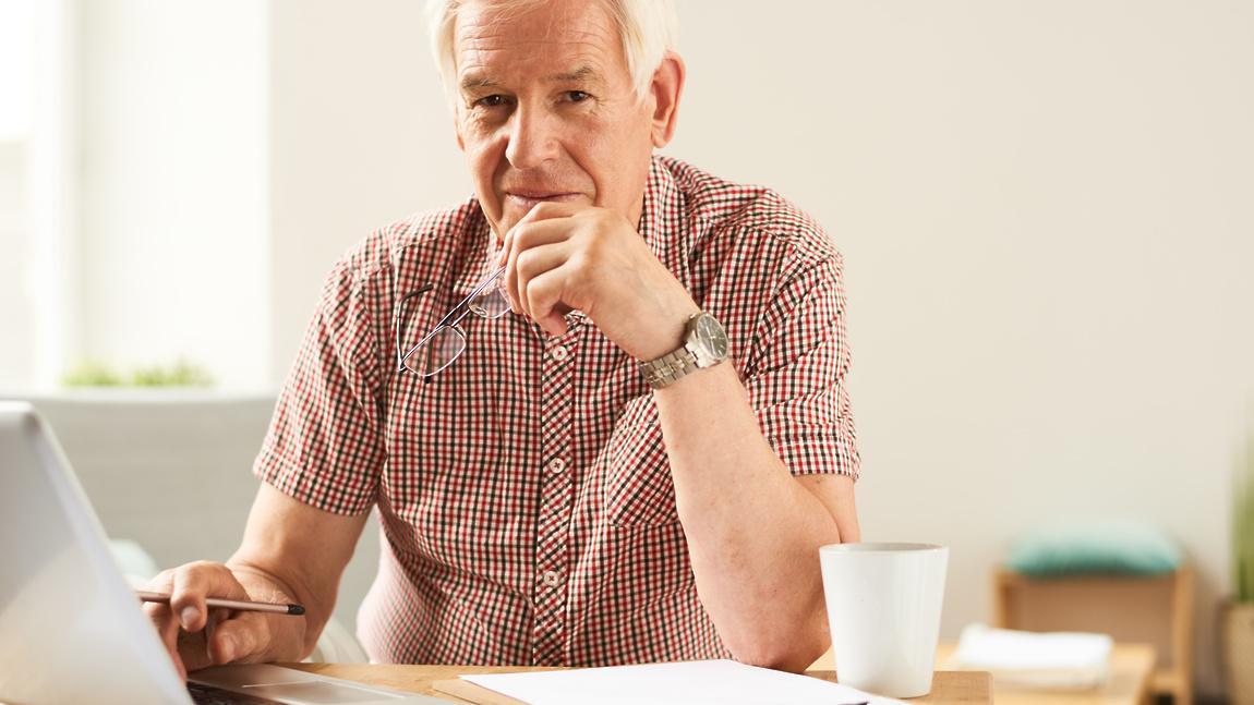 Индексация пенсий работающим пенсионерам после увольнения: сколько добавят