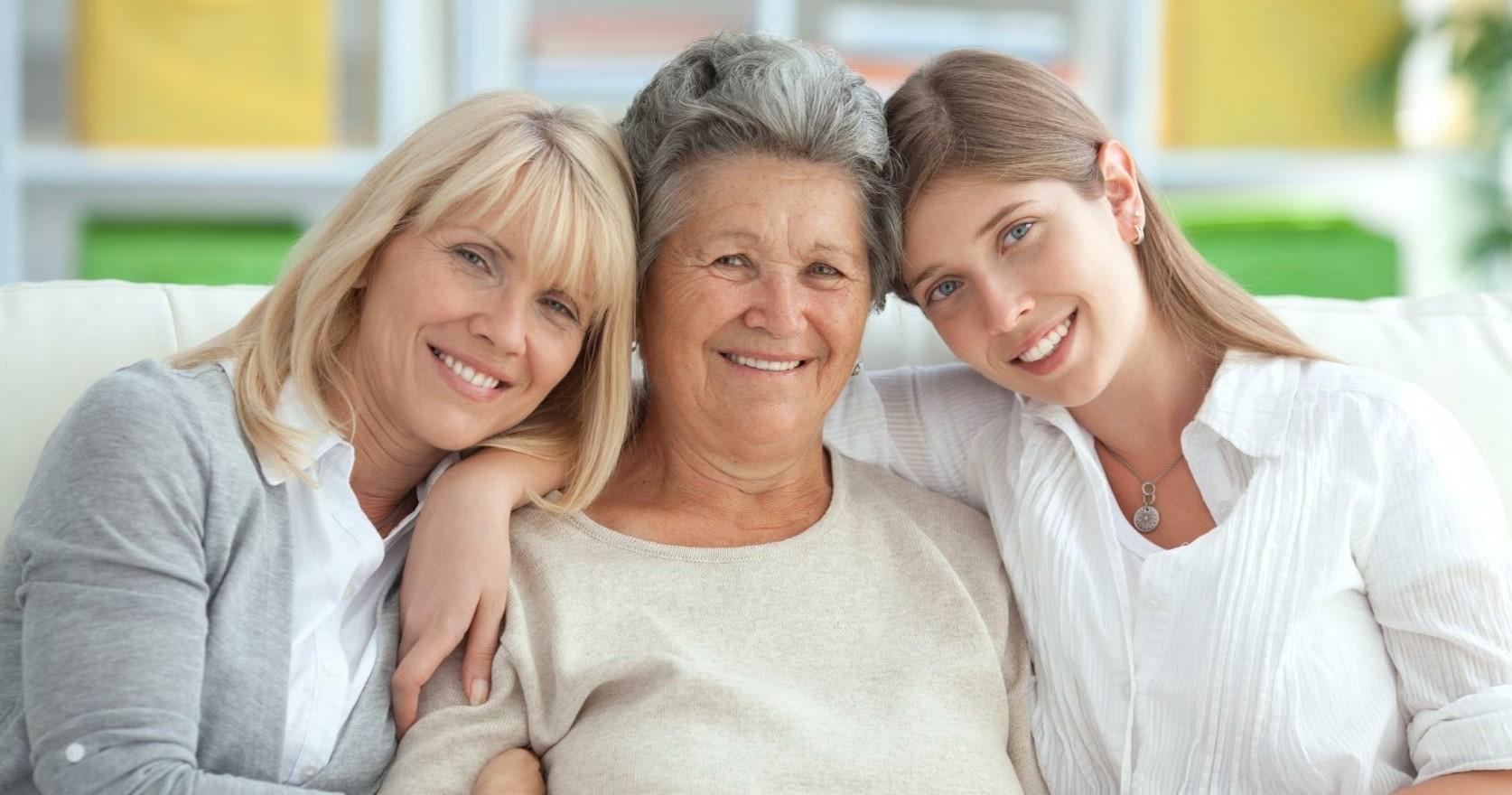 Доплата к пенсии женщинам, родившим 2,3 и более детей: сумма