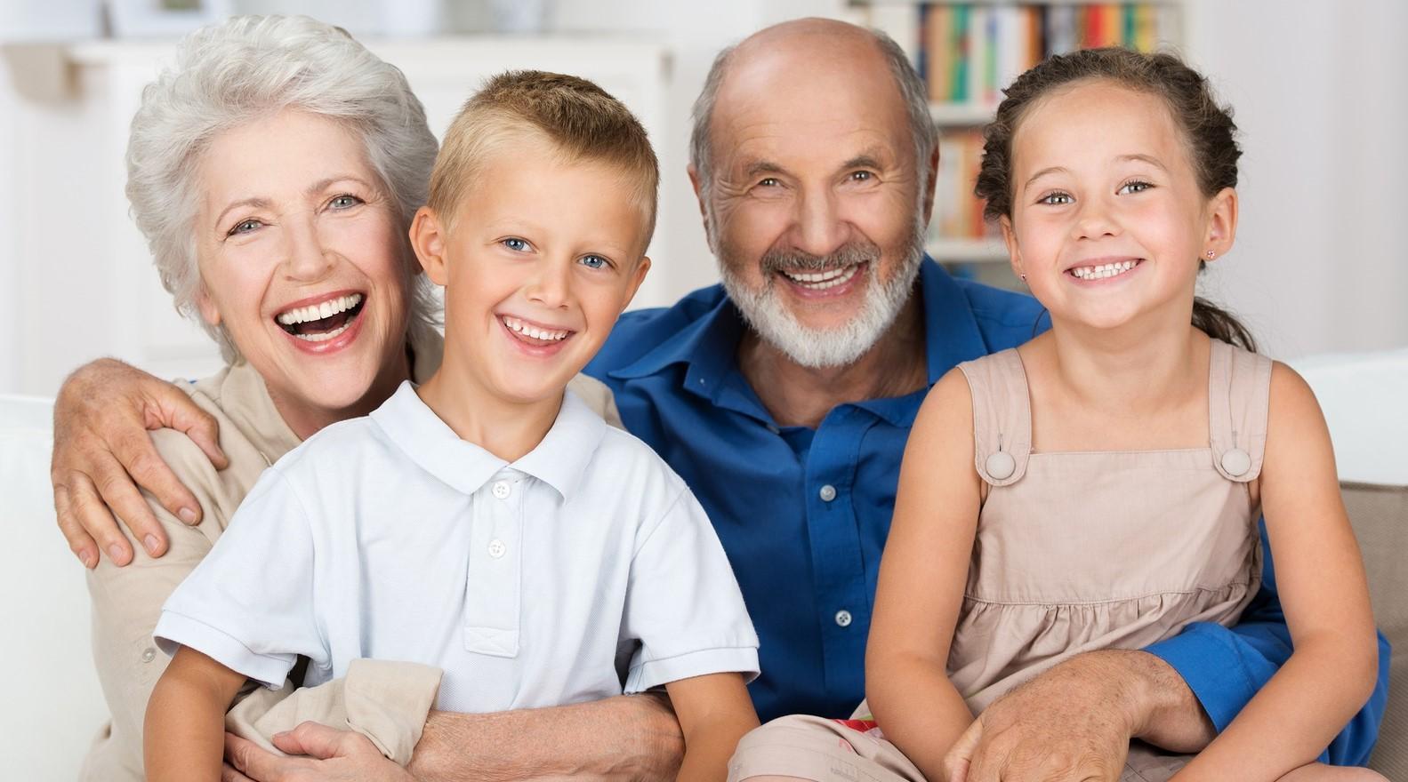 Выплаты пенсионерам МВД на детей: какие документы нужны
