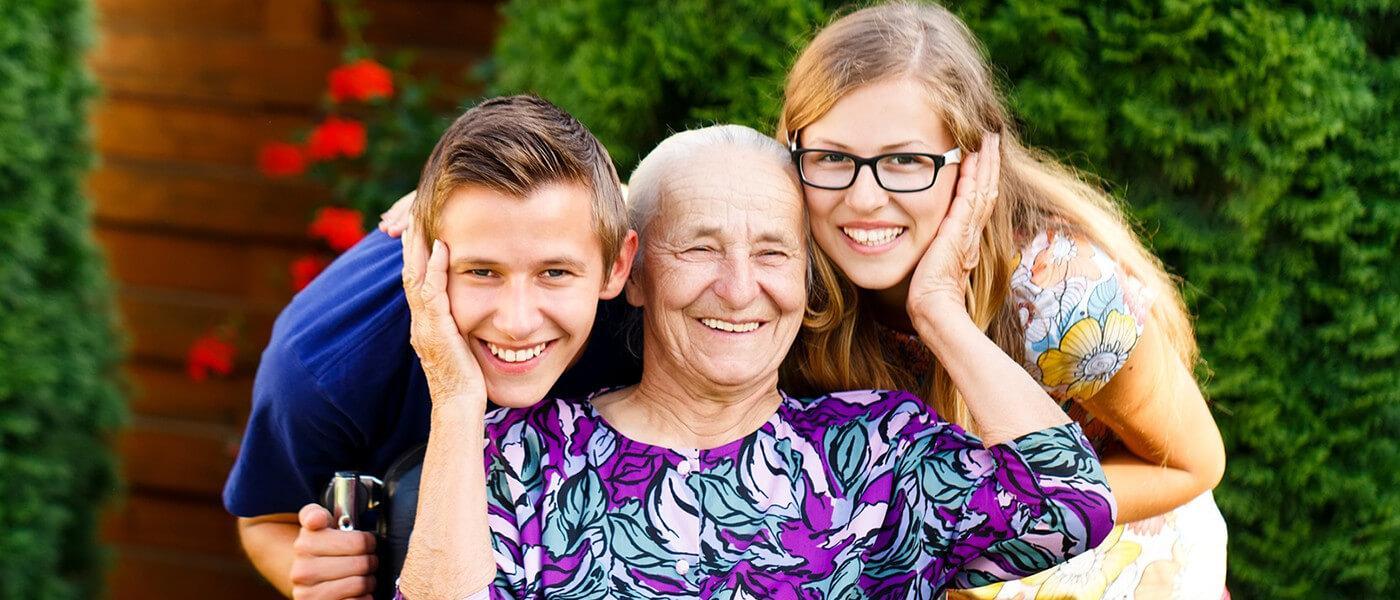 Доплата к пенсии за детей:кому положена