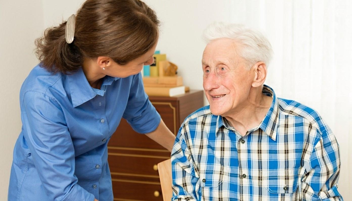 Уход за пенсионером после 80 лет: величина
