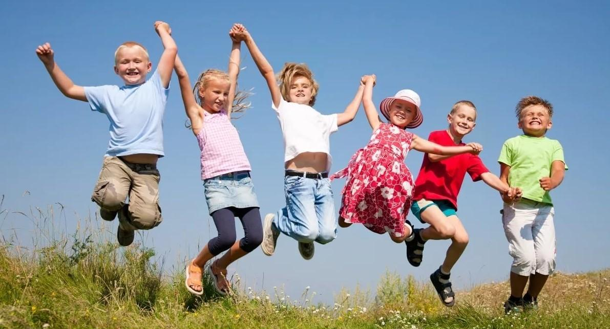 Пособие пенсионерам на детей: сумма