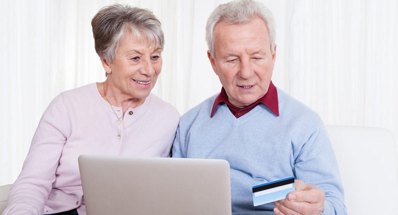 Какие выплаты положены при выходе на пенсию: сумма